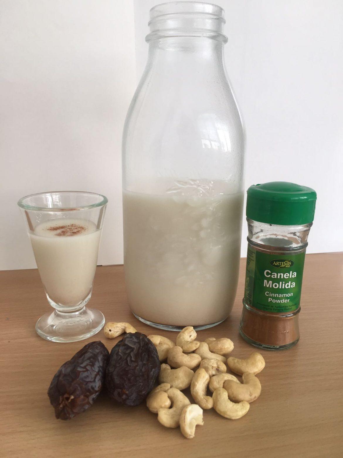 bebida de anacardos y dátiles